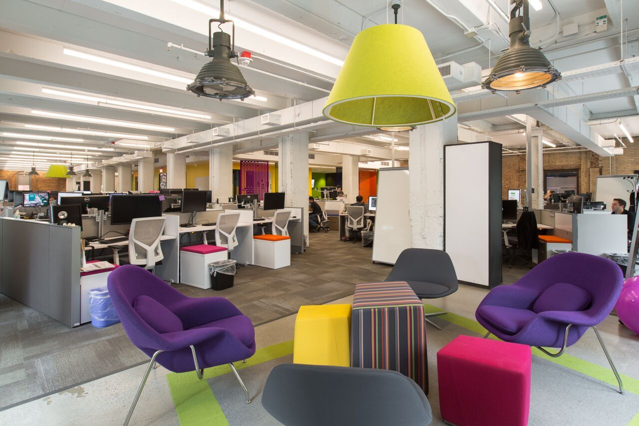 Creative office space design cool creative spaces retail for Office space design