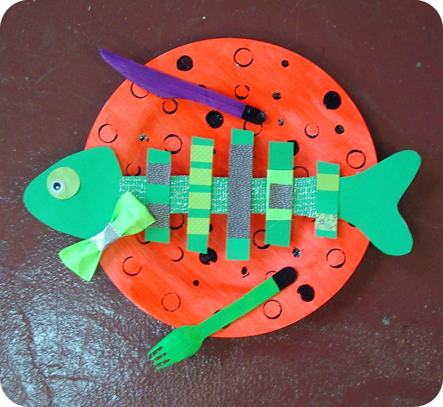 Micka lle delam historia pinterest activit s manuelles en maternelle poisson mer et - Poisson avril maternelle ...