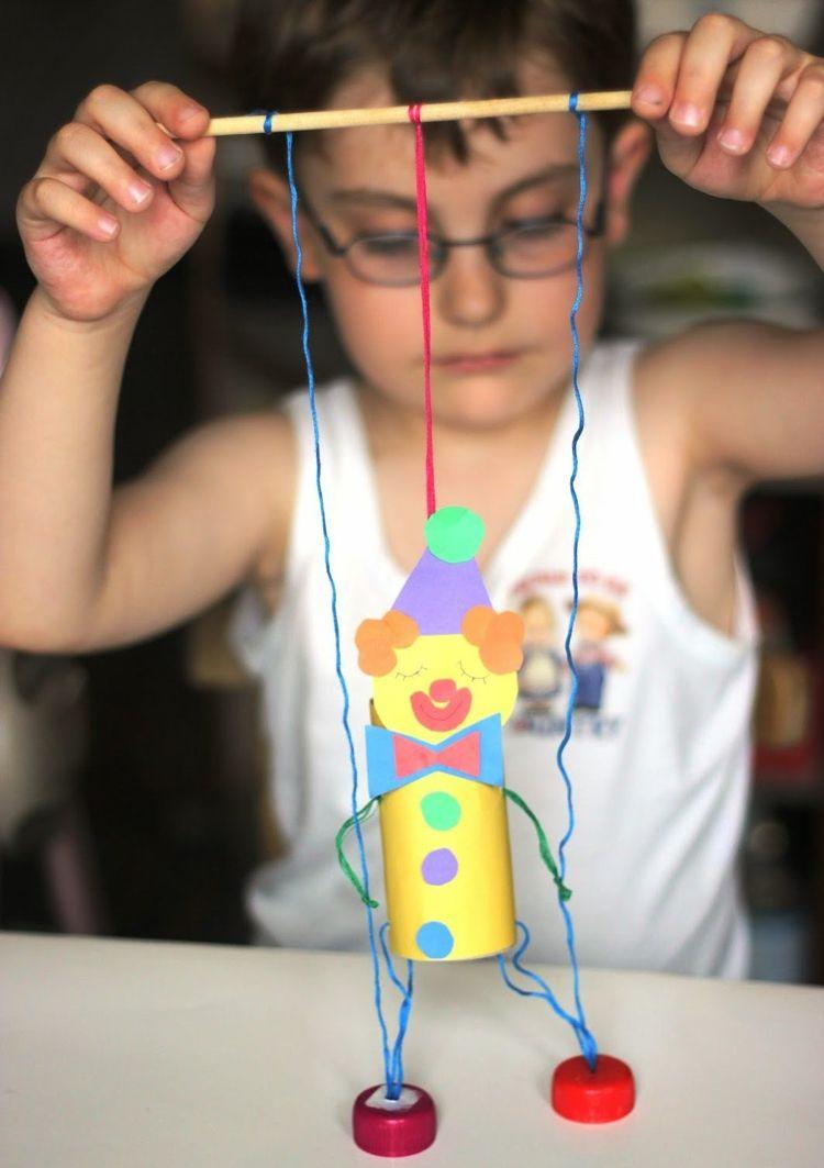 Marionette clown selber basteln kinder basteliedeen ideas fasching carnival riciclo - Clown basteln kindergarten ...