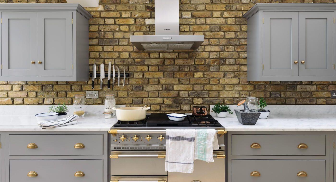 The Sw12 Grey Shaker Style Kitchen By Devol Kitchens Curly S Nest Shaker Style Kitchens Kitchen Trends Devol Kitchens