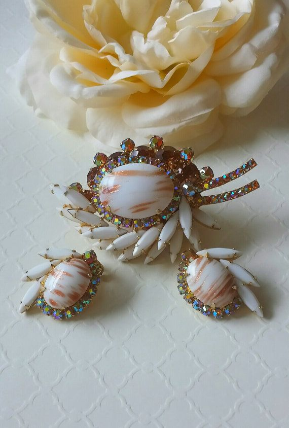 Juliana Brooch Earrings Set Delizza Elster by TheWildVintageRose