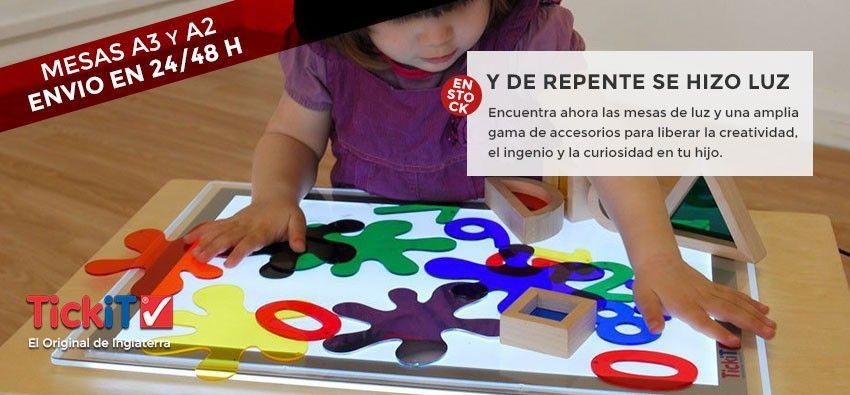 La mesa de luz es un recurso educativo que adopta la metodología Reggio Emilia, en la que el niño o niña son los protagonistas, el adulto es colaborador