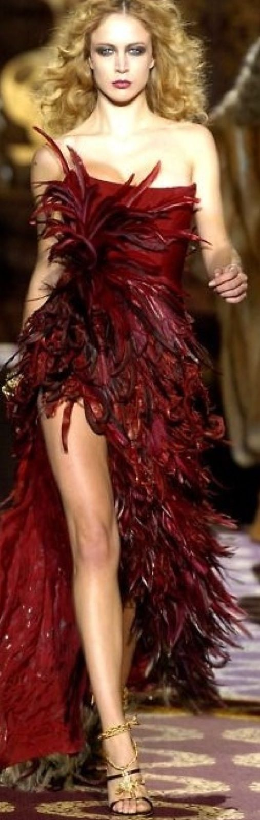 Zuhair Murad - 2004/2005 - dark red feathered gown. Autumn fire ...