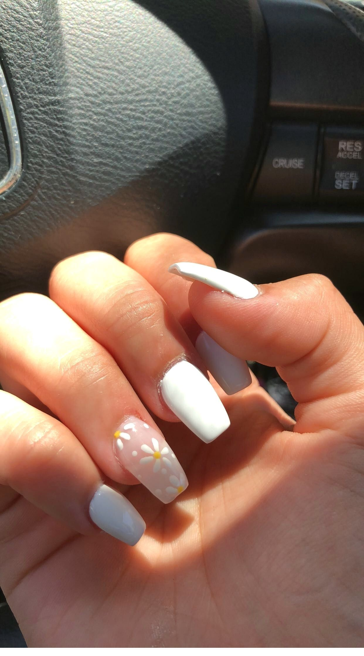 Pretty Acrylic Nails Ideas In 2020 White Acrylic Nails Best Acrylic Nails Summer Acrylic Nails