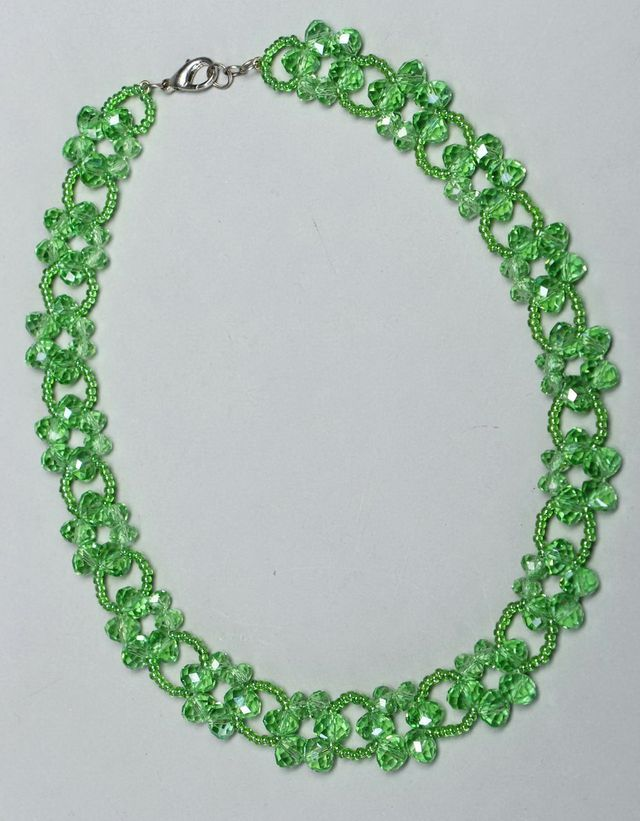 Free pattern for beaded necklace Laurel   U need: seed beads 11/0 rondelle crystals 4×6 mm rondelle crystals 6×8 mm or any 2 different sizes