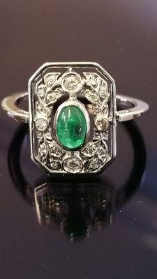 Antieke smaragd cabouchon ring