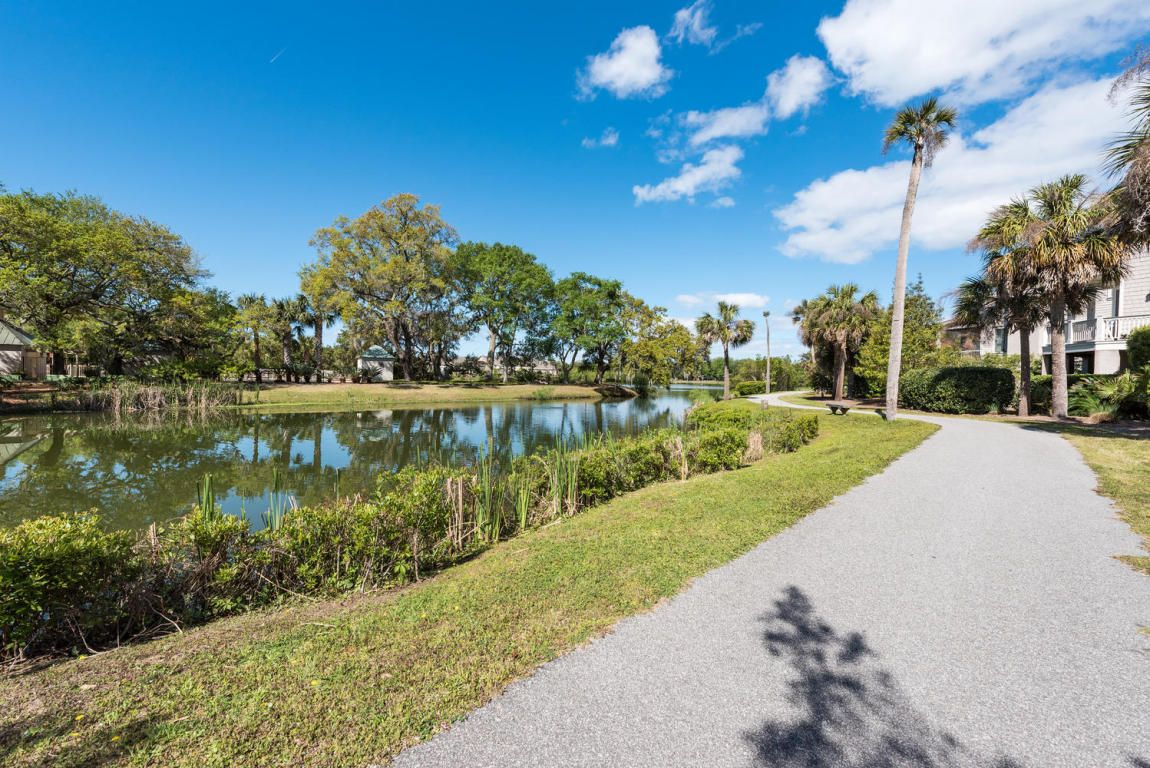 Beautiful 4 bedroom 35 bath lakefront home in the