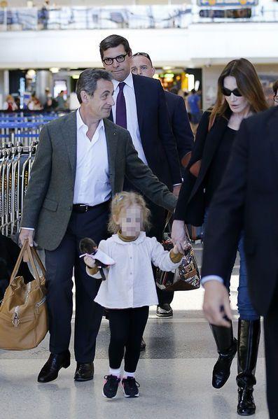 Nicolas Sarkozy Et Carla Bruni En Vacances A Los Angeles Carla Bruni Style Chic Parisien Nicolas Sarkozy