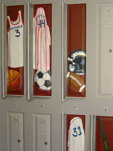 Charmant Locker Painted On Closet Door