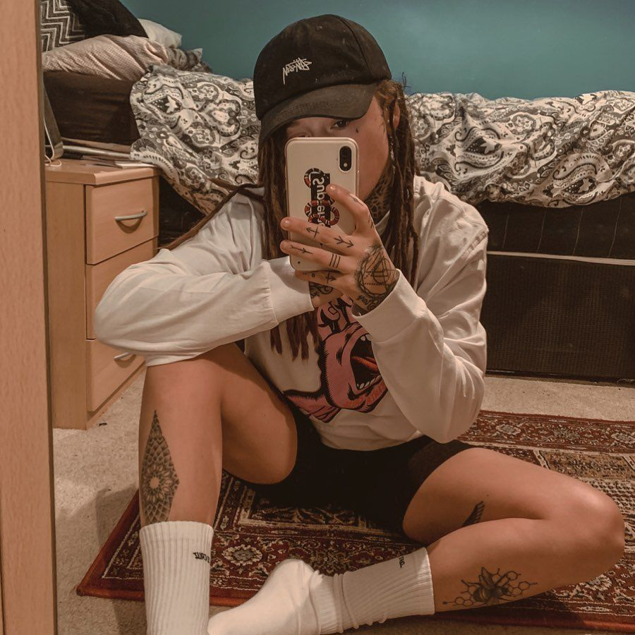 sometimes you gotta remove people, without warning. • • • • #tattoo #dreads #influencer #girlswithtattoos #tomboy #tattooed #facetattoo #girlswithink #dreadlocks #dreadhead #lifestyle #lifestyleblogger #fashion #streetwear #facetattoo #clothing #style #tat #streetwear #igdaily #lgbtq #girlswhokissgirls #igers #mandala #backtattoo #buddha #geometrictattoos #skate #santacruz #girlswhoskate ————————————— • @stussy • @santacruzskateboards • @supremenewyork ————————————— #dreadsandtattoos