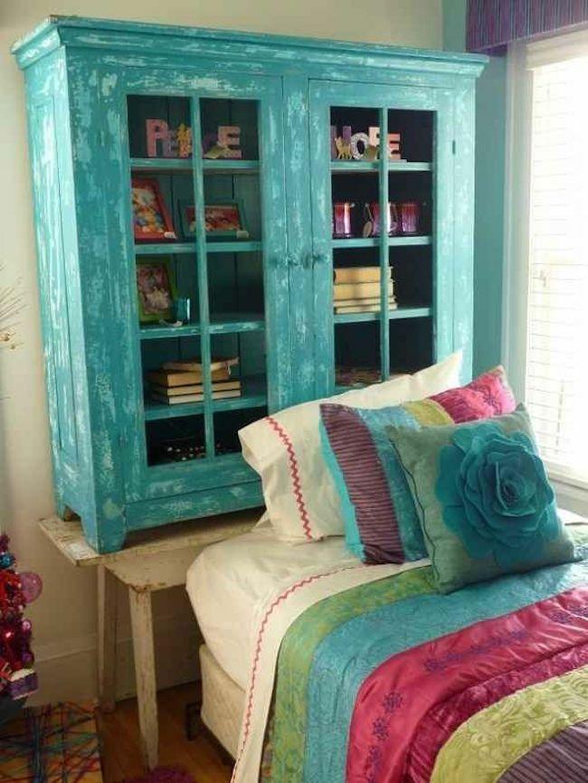 Vintage Schlafzimmer alter Schrank Bettkopfteil schlichtes Design