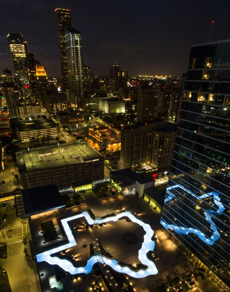 Marriott Marquis Houston Debuts Texas Shaped Pool In Grand Opening Houston Pools Marriott Texas Places