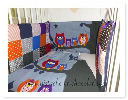 Tour de lit et hiboux de nuit avec la gigoteuse assortie mes tours de lit pinterest baby - Tour de lit bebe et gigoteuse assortie ...