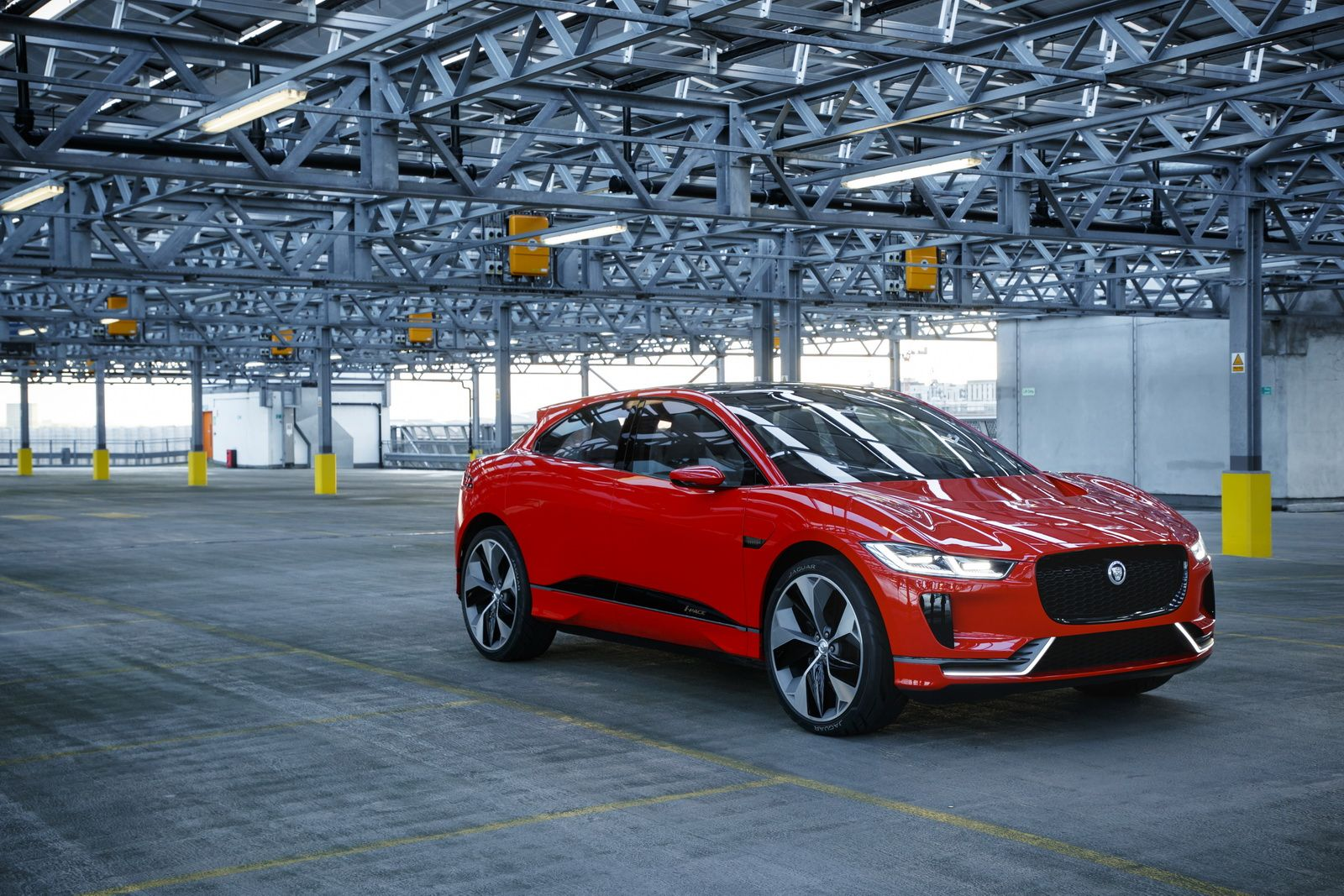 Jaguar I Pace Driven In London Is A Sign Of Things To Come 95