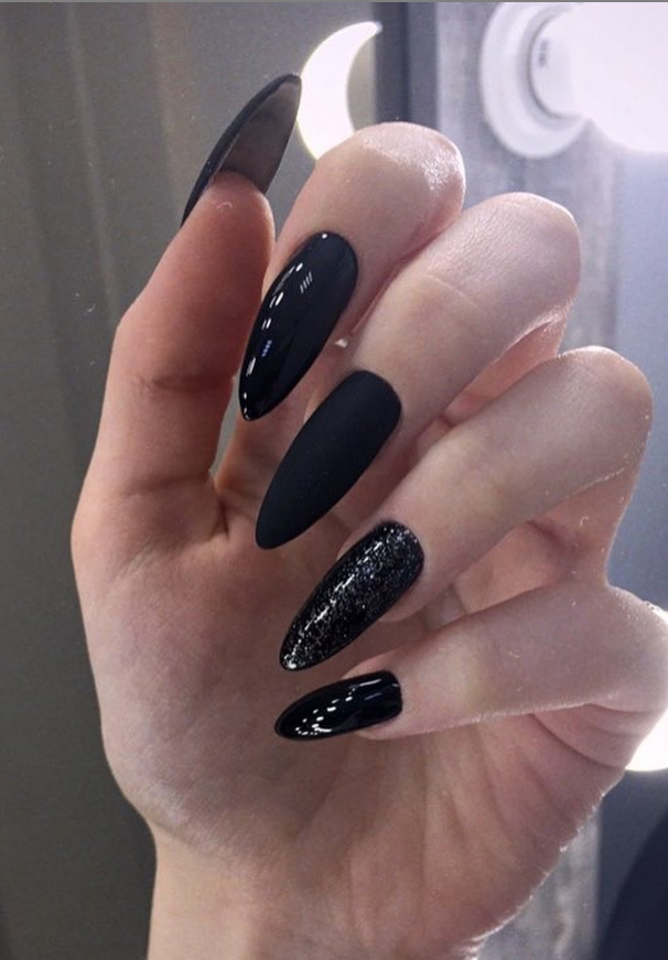 47 Amazing Black Nail Designs Page 11 Of 47 Lily Fashion Style In 2020 Black Nails Black Nail Designs Nail Designs