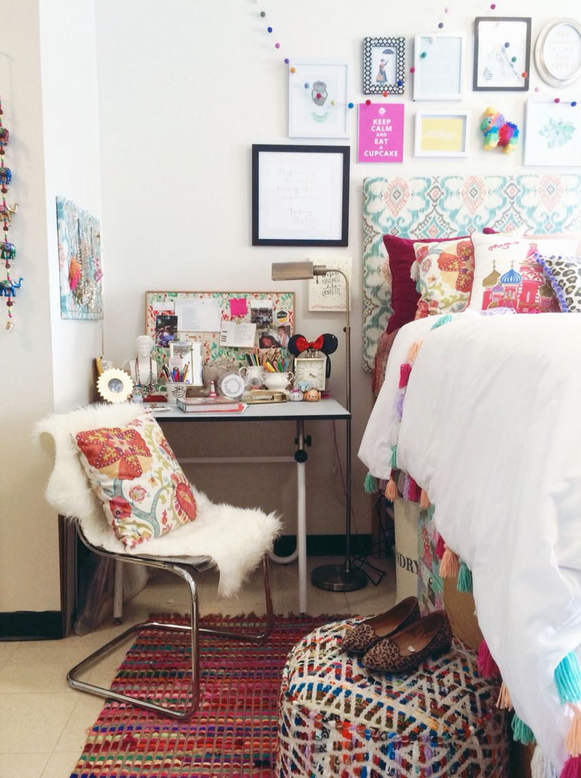 My boho chic Anthropologie inspired dorm room at