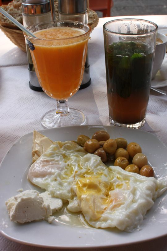 Nice intro to Moroccan breakfast, freshly squeezed orange juice, mint tea, eggs and sheeps cheese