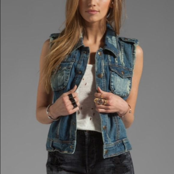 Free People Macramé Cargo Vest 100% cotton. Snap button front closure. Front flap pockets with snap button closure. Contrast crochet back panel. Tabbed shoulders. Raw cut arm holes. Intentional distressed and faded areas throughout. Color: moody blue combo. Could fit up to a small Free People Jackets & Coats Vests