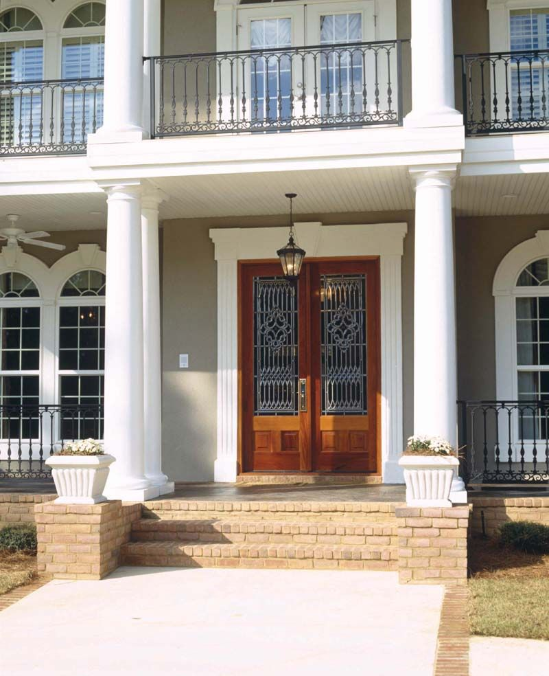 Prentiss manor colonial home entry stairs southern for Front doors for colonial homes