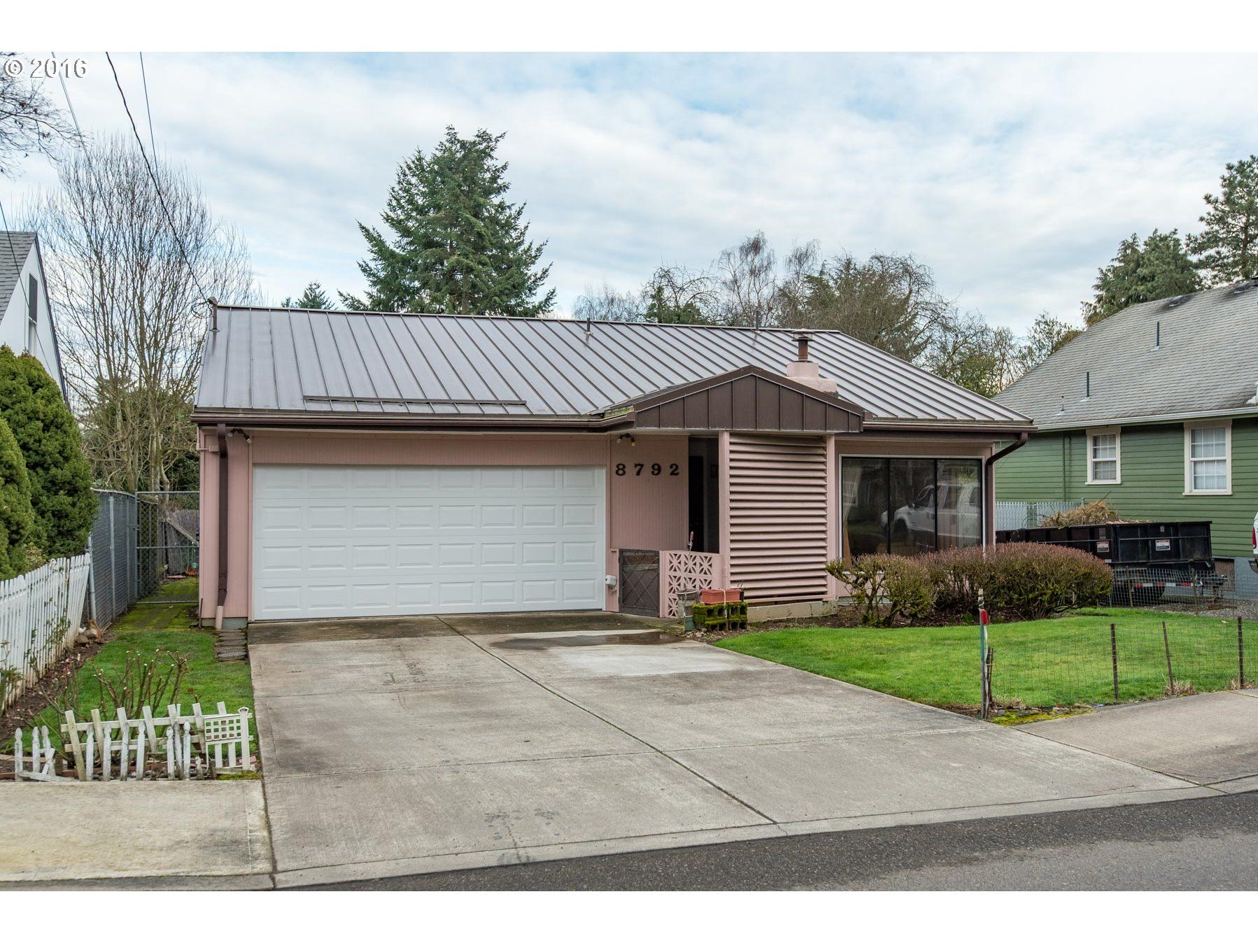 Mid-Century Pick of the Week: 1963 Midcentury Ranch. (Ardenwald, N. Milwaukie).  Darling vintage kitchen and bath with original fixtures and paneling. Hardwoods. Sweet .23 acre lot! Close to Sellwood! 3 beds, 1 bath, $265,000. Listing courtesy of Hasson Co.