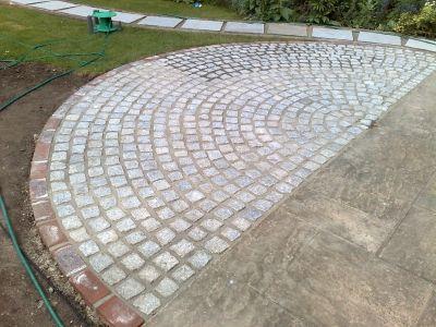 pic_Granite-Stone-Set-Semi-Circle_870229_large.jpg (400 ...