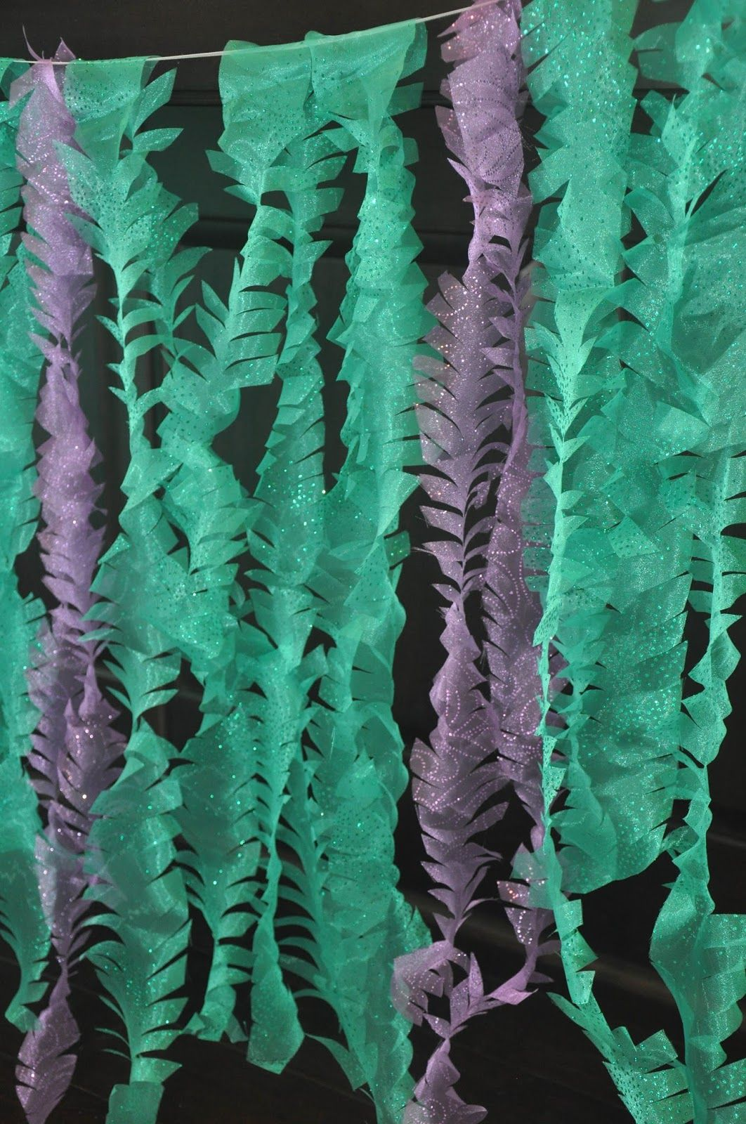 Diy Jellyfish Decorations Seaweed Decor For Under The Sea Party Made By Twisting Streamer