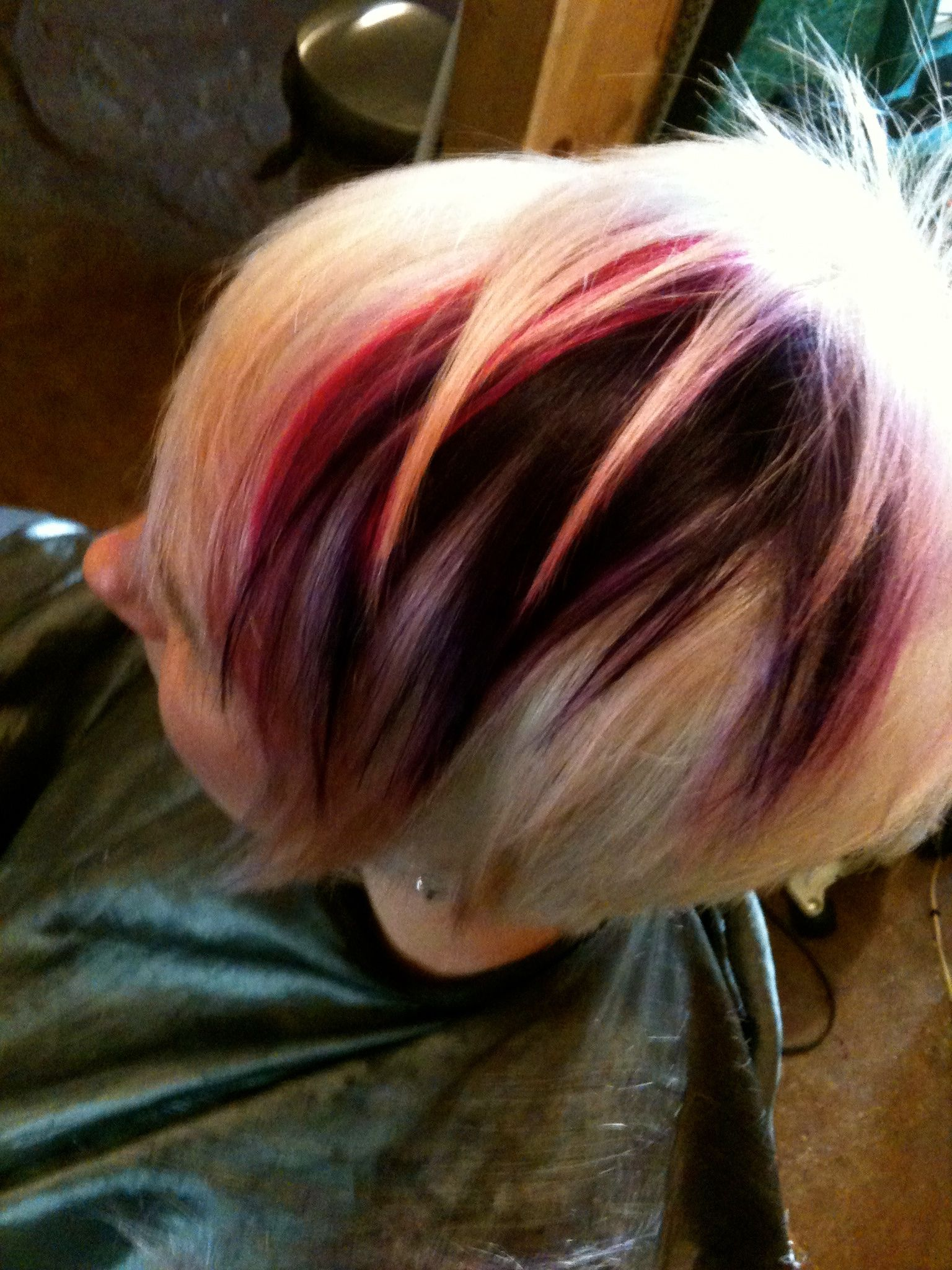 Triangular pop of colour hair cutting and colouring techniques do it yourself with how to hair girl your premier online resource for diy hair including hairstyles naturally curly hair hair color updo and bridal hair solutioingenieria Images