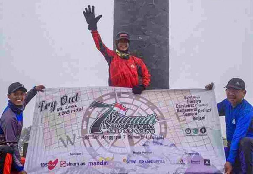 Tiga Pendaki Bertekad Taklukkan 7 Gunung Indonesia Dalam