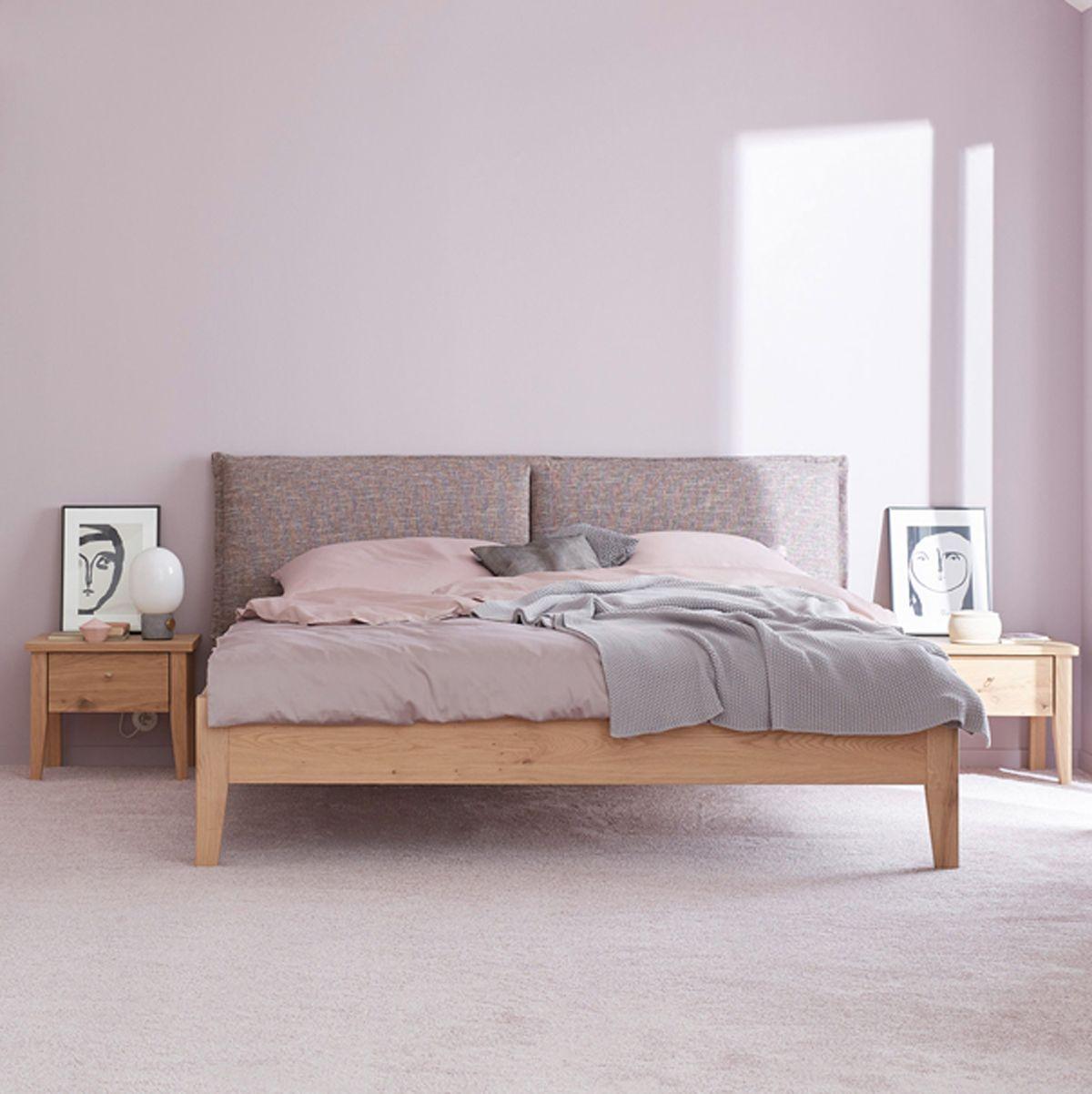 ein kopfteil wie ein kissen bei unserem bett janne kann man komfort sogar sehen bezogen ist. Black Bedroom Furniture Sets. Home Design Ideas