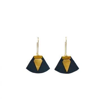 Boucles d oreilles en cuir noir doré Chloé #cornr