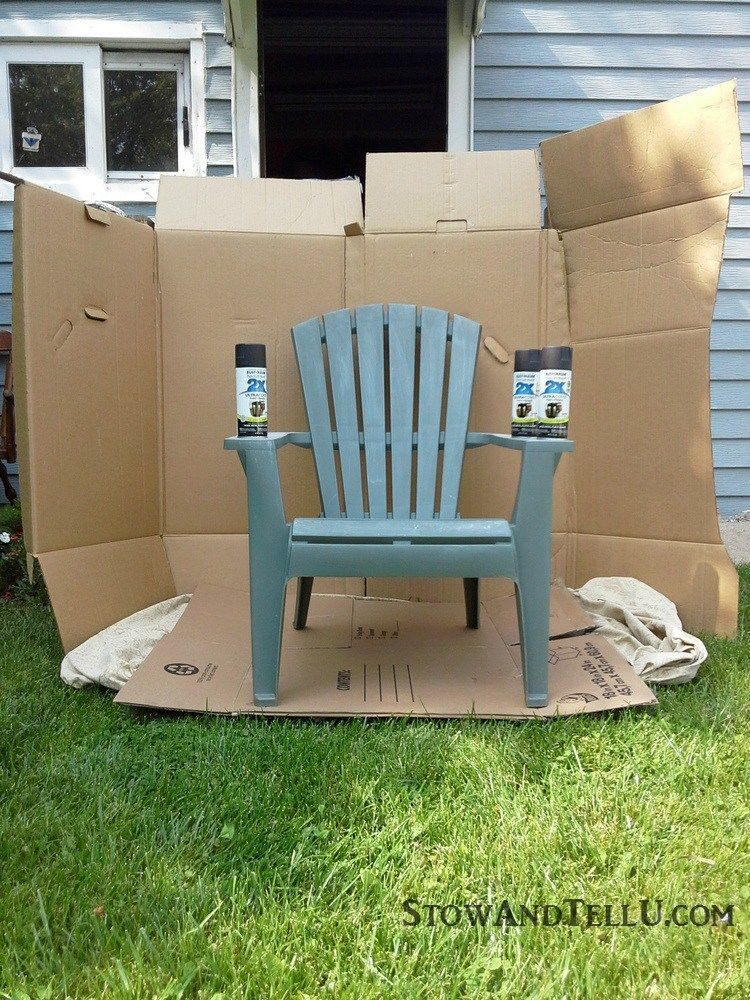 DIY spray paint booth and Tutorial for spray painted plastic lawn chairs  with a tip for making an easy spray paint booth with cardboard - garden,  yard work, ... - Yardworkation #1 - Spray Paint And Plastic Lawn Chairs Home