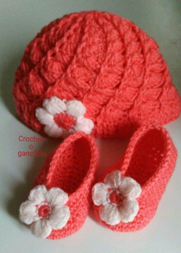 Conjunto gorro y patucos de recien nacida by Crochet o ganchillo ...