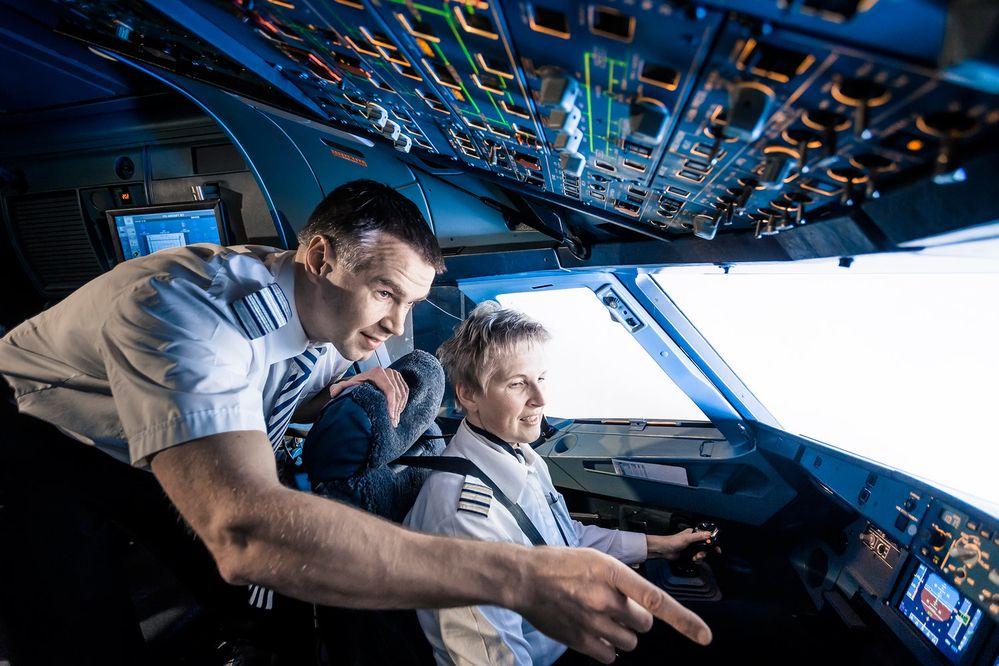 United invests in pilot training in 2020 Pilot training