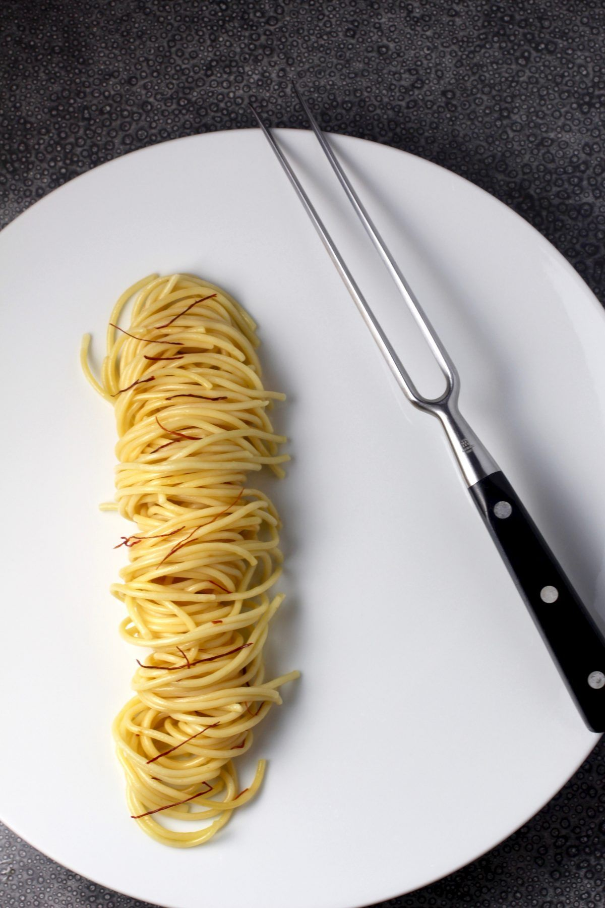 Essen Anrichten How To Twist Spaghetti Into A Caterpillar Essen Ist