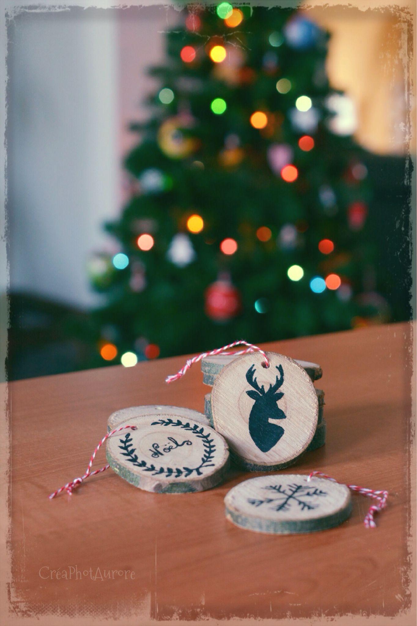 Ornements sapin de Noël, écolo et à moindre coût avec des rondelles de bois !