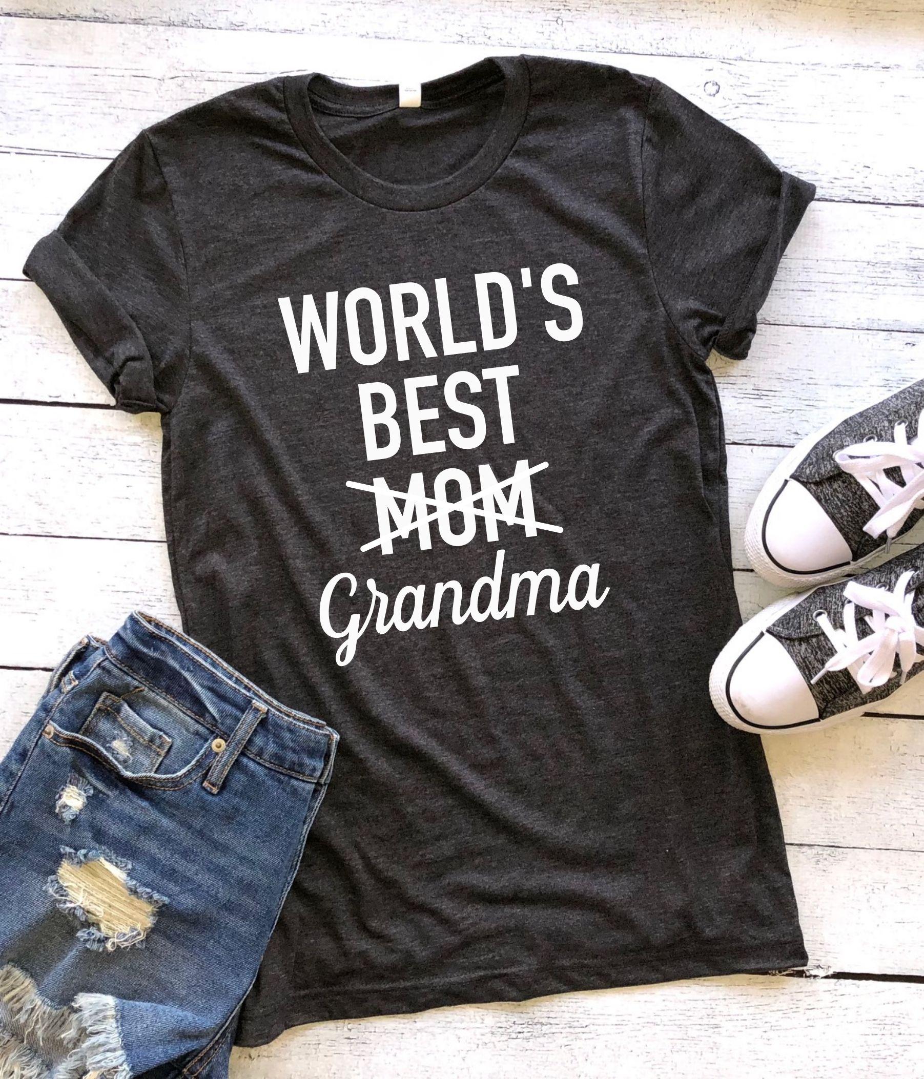 a115cd9f8 World's best mom/grandma (crewneck), pregnancy announcement grandparents, pregnancy  reveal grandparents, future grandparents, gift for future grandma, ...