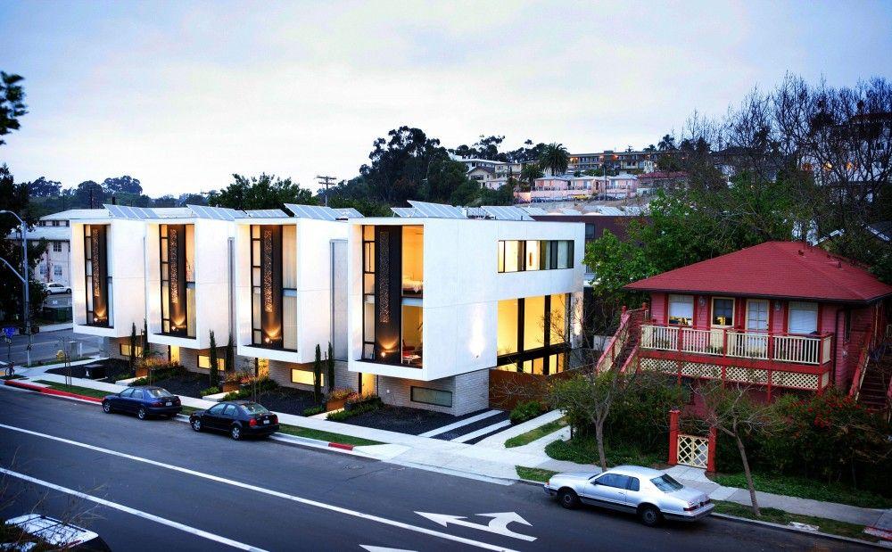 Incrível como fachadas modernas contrastam com a arquitetura mais comum e esperada, como neste conjunto em San Diego, EUA.