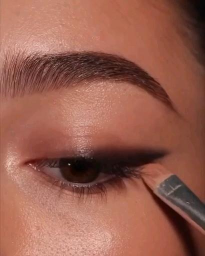 Makeup video eyeliner easy smokey