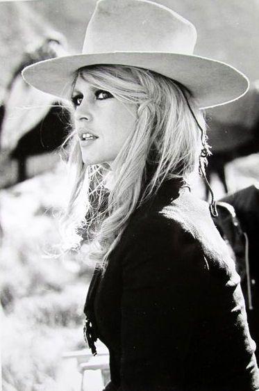 Onbekende fotograaf, APIS Paris - Brigitte Bardot