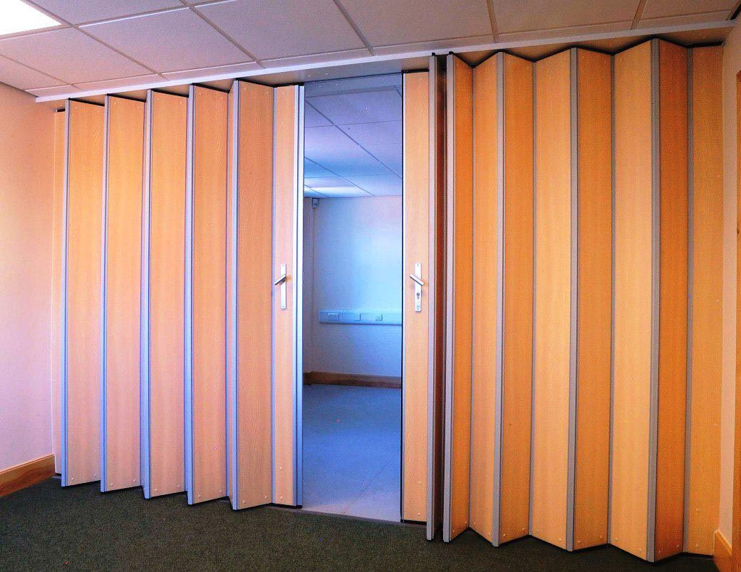 Accordion room dividers commercial room dividers for Retractable walls commercial