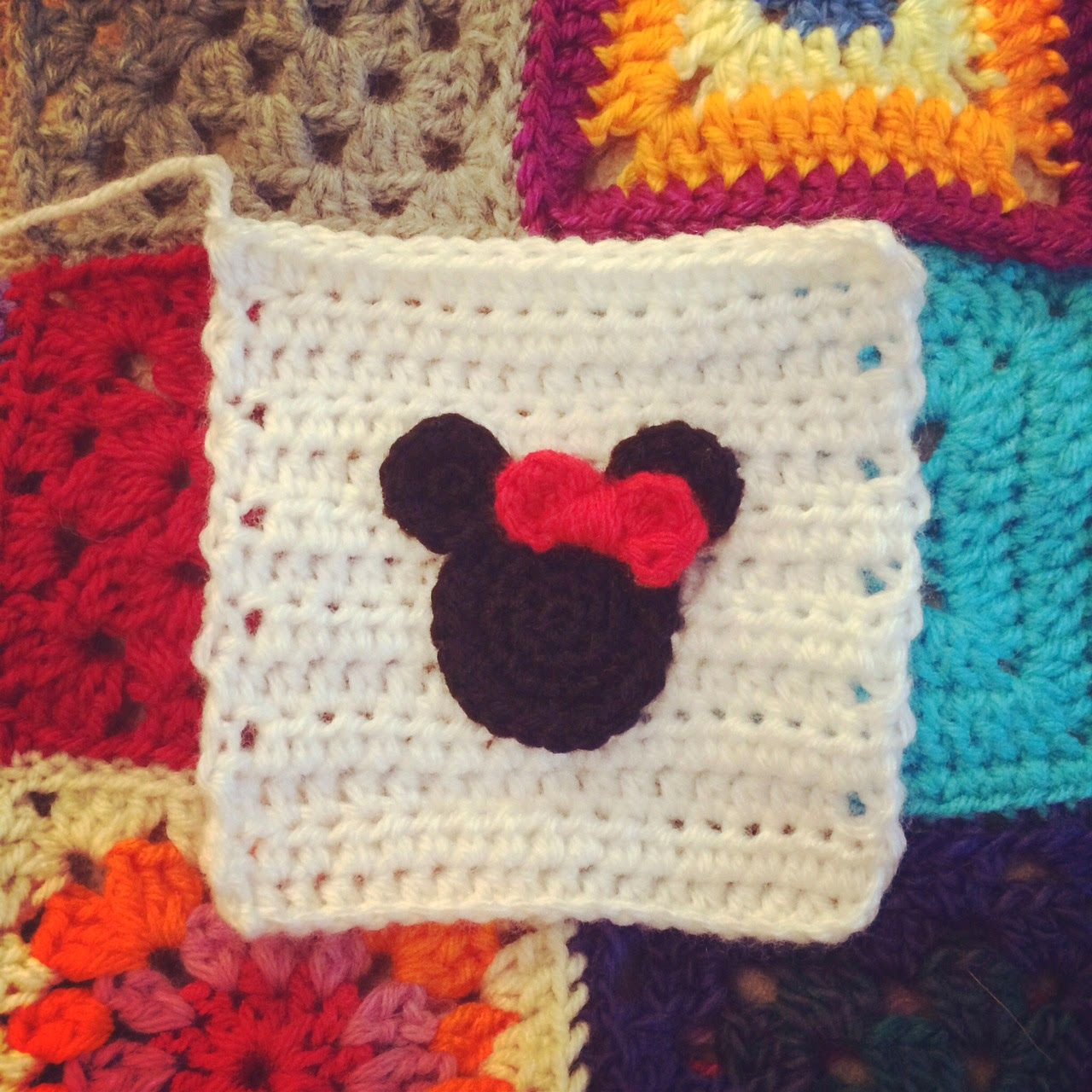 Minnie square (photo only, no pattern) | 2018 all crochet gadgets ...