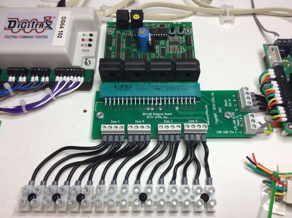 digitrax block detector bdl168 pienoisrautatie pinterest model rh pinterest com Ho Block Signal Wire Block Update Detector