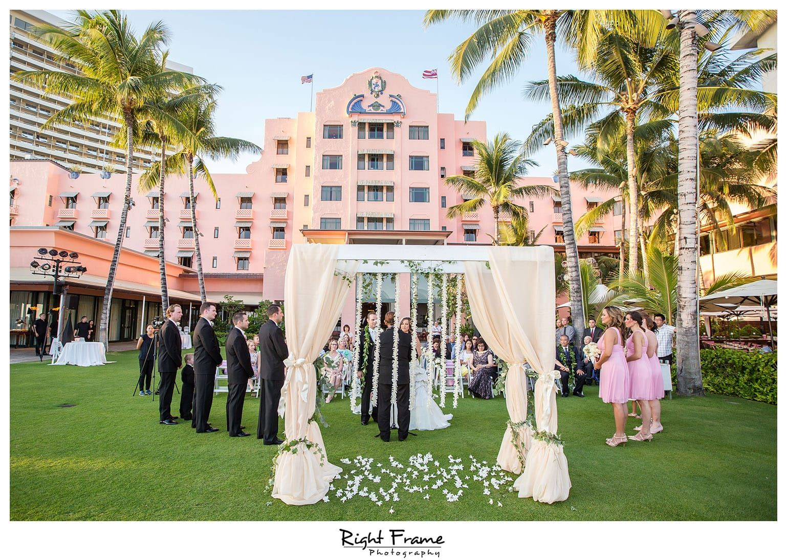 Rightframe Wedding Ceremony At Royal Hawaiian Hotel Waikiki Oahu Hawaii Photography Ideas