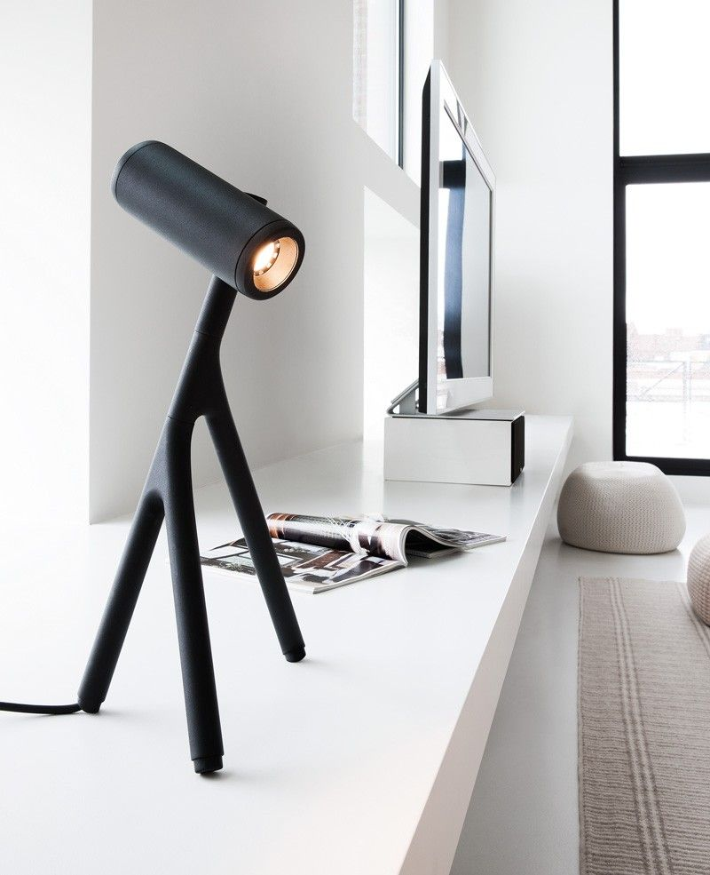 "formationdesign: "" http://www.contemporist.com/2015/02/04/this-desk-lamp-is-inspired-by-stick-insects/ """