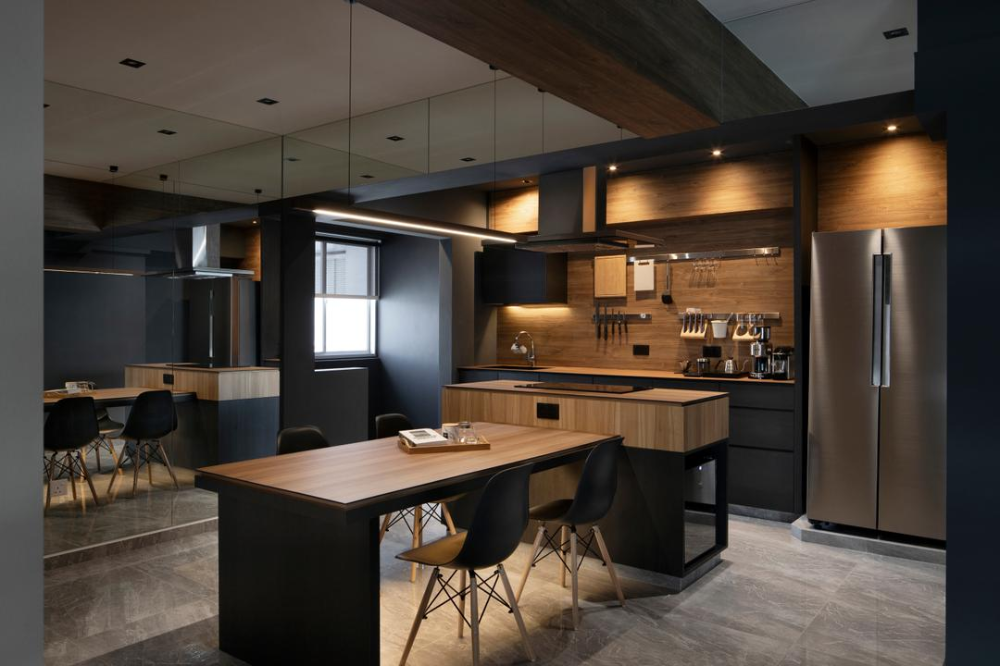 10 Dark Homes That Nail The Luxe And Cosy Look Effortlessly In