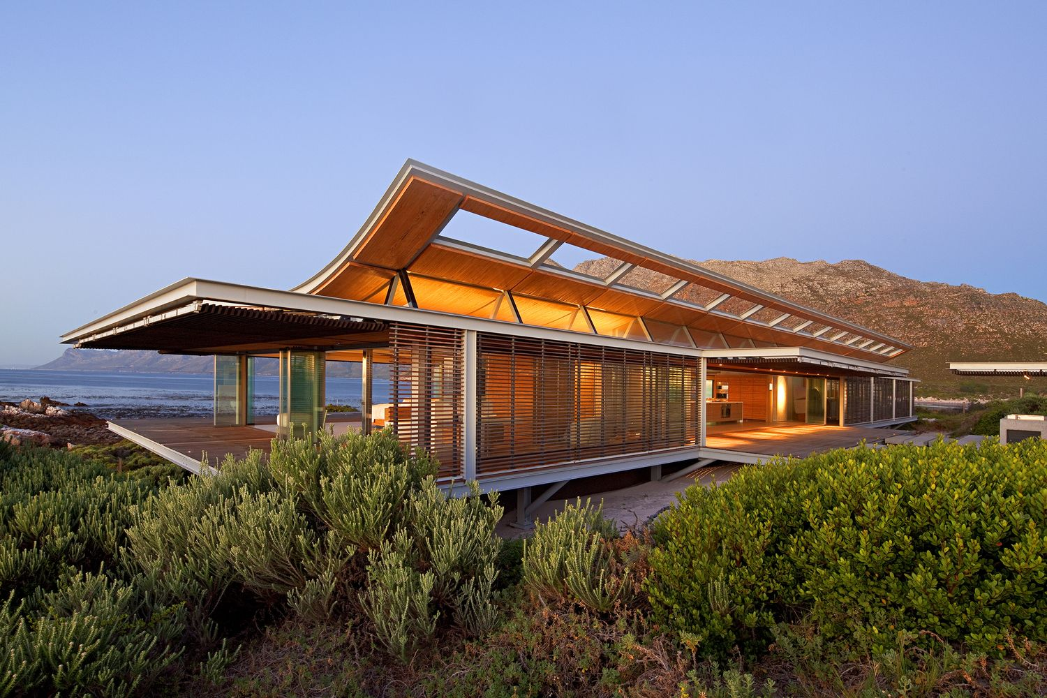 Gallery Of Rooiels Beach House Elphick Proome Architects 14 Contemporary Beach House Modern Beach House Architecture