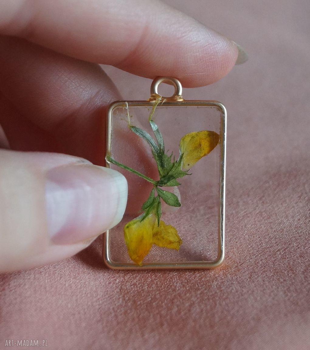 Zolte Wspomnienie Kwiat W Zywicy Nietuzinkowe Drop Earrings Jewelry Earrings
