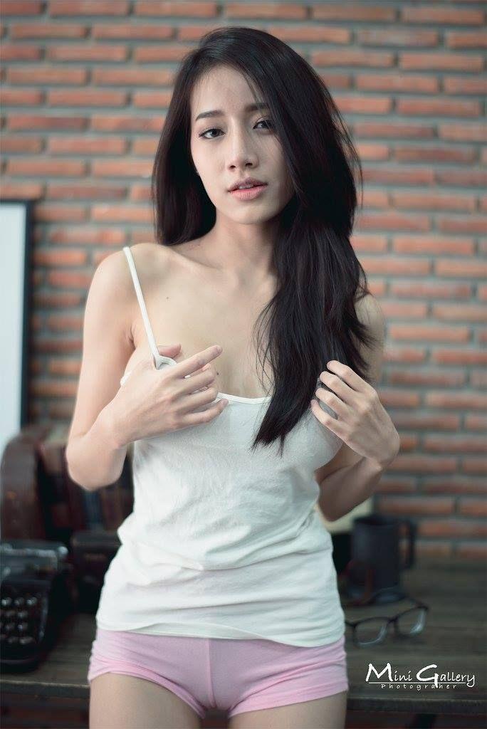 from Bentlee thailand girls n u d