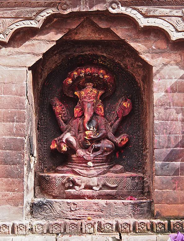 Ganesh statue in Kathmandu. Read more at http://bringingitallbackhome.co.uk/ganesh-statues-kathmandu/