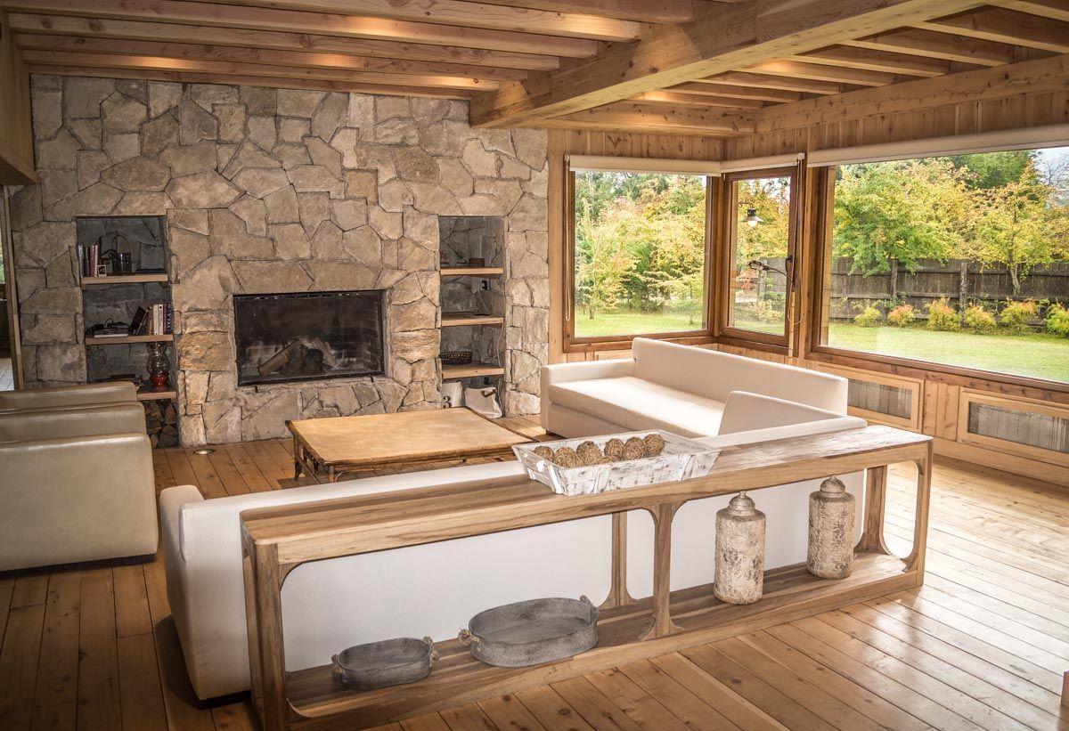 Meier lanz arquitectos interior casa madera y piedra - Casas de madera y piedra ...